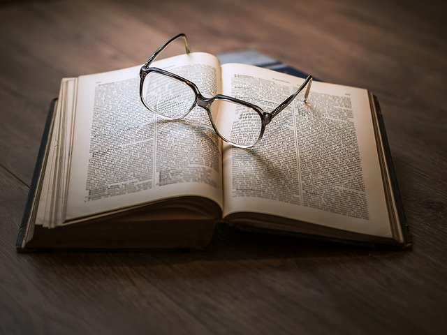 L'œuvre poétique : le voyage littéraire à travers les vers D'Eric Dubois